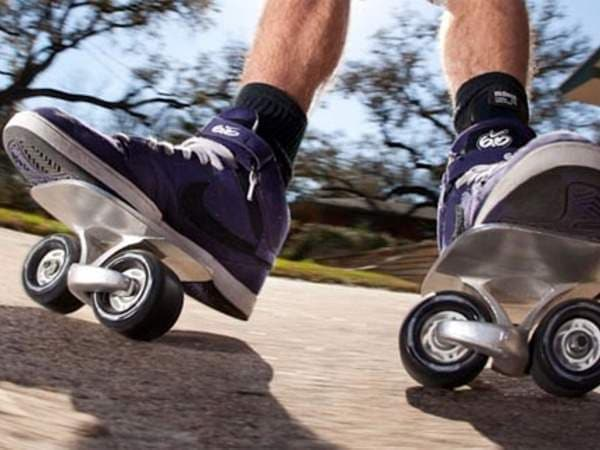 スケートボード「Feat Skateboards」  でも、これって…?