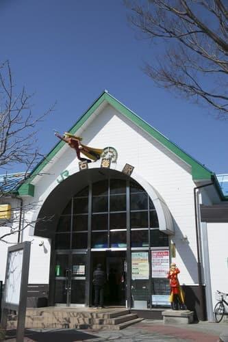 JR 石巻駅は今日もヒーロー達が見守っている