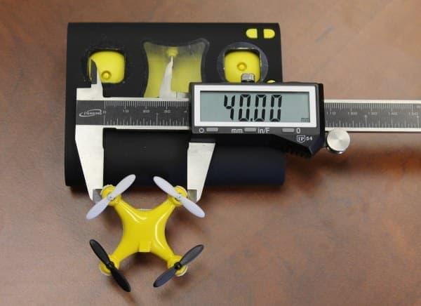 「WALLET DRONE」の幅は4センチ(40ミリ)