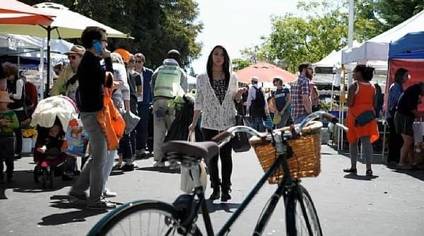 利用者が自転車に近づくだけでロックを解錠する「LINKA」