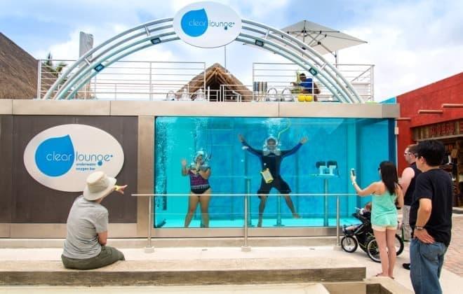 世界初の水中酸素バー「Clear Lounge」