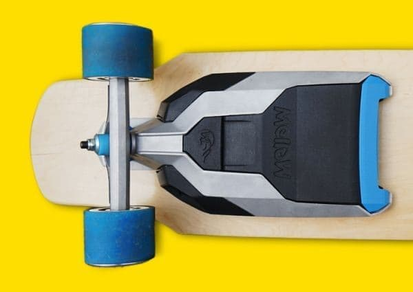 """スケートボードを""""電動スケートボード""""に変える「Mellow」"""
