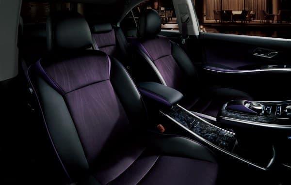快適温熱シート(運転席・助手席)なども特別装備