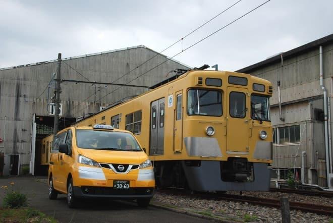 似てる?西武電車と幸運の黄色いタクシー