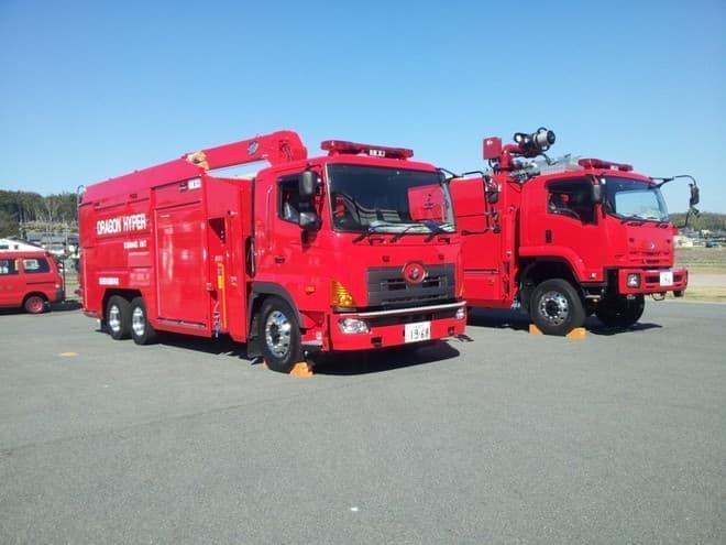 ドラゴンハイパー・コマンドユニットの中核となる2つの車両(画像提供:総務省消防庁)