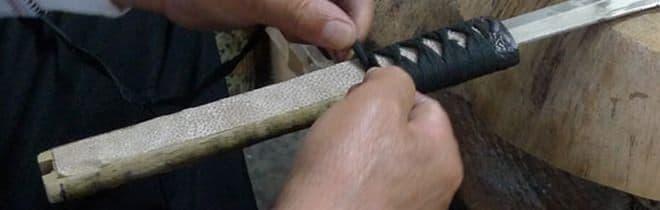 「刀シフトノブ」は、刀職人により手作りされた一点物