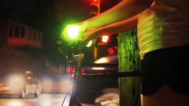 サイクリストの死亡事故の48%は、夕方4時以降深夜までの時間帯に発生
