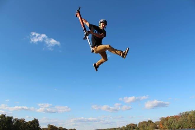 3メートルの高さまでジャンプできる Vurtego の「V4」