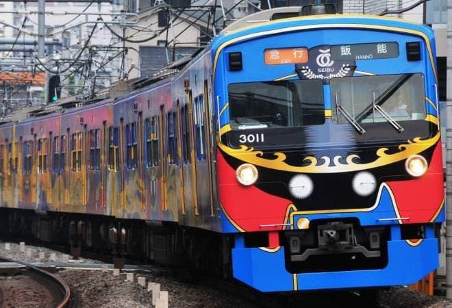 こちらは「車掌」さんバージョン  (C)Leiji Matsumoto,SEIBU Railway Co.,LTD.