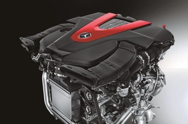 「AMGスポーツモデル」用に専用開発された「3.0リッターV型6気筒ツインターボBlueDIRECT」