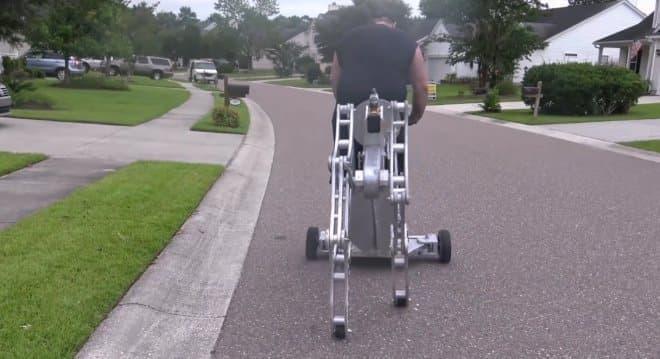 167キロまでの人と荷物を乗せて歩行可能だ