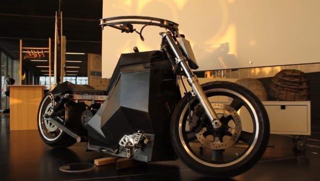 再生可能エネルギーで走行可能なオートバイ「Strangeworld」