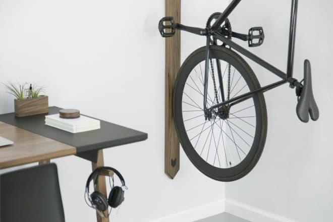 社員1人に1つの自転車置き場を提供するオフィス用自転車ラック「RACK」