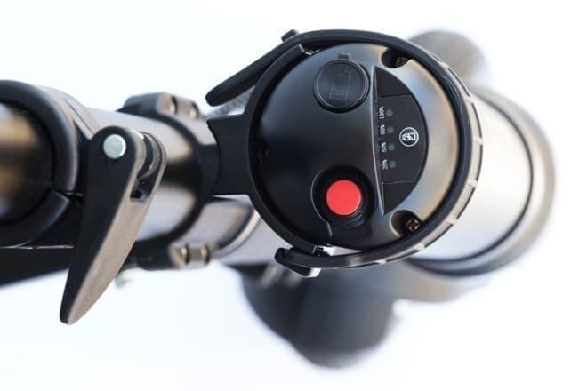 アシストが欲しいときには赤いボタンをプッシュ  時速20キロまでモーターがアシストする