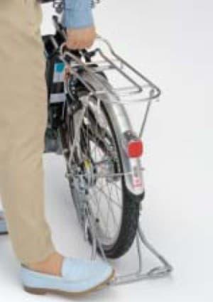 アルミ製オートロックスタンド「軽量かるっこスタンド」を採用