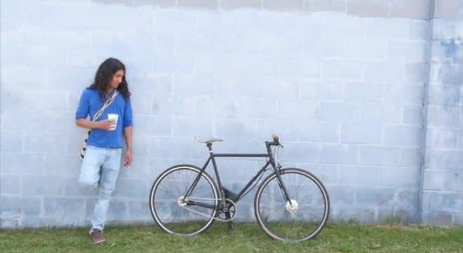 バッテリーが小さいので、電動アシスト自転車には見えません