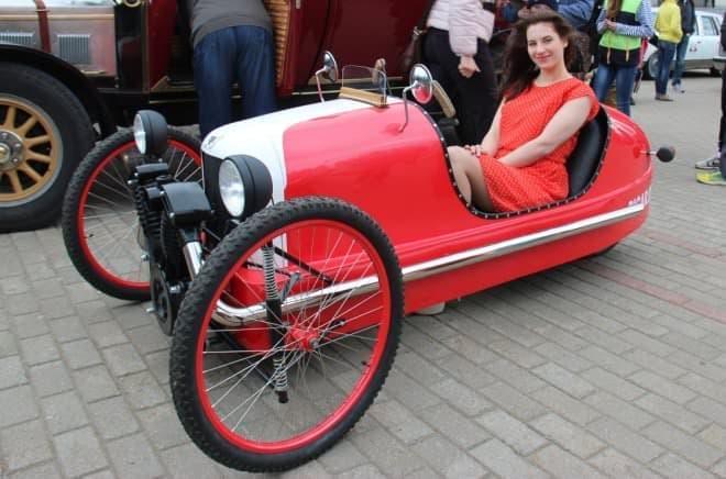 「スリーホイラー」のレプリカ版自転車「PICAR」