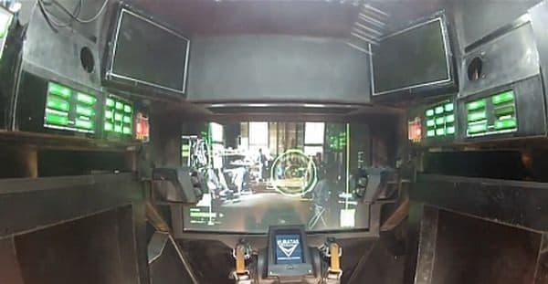 参考画像:クラタスのコックピット  フルHUDが搭載されている