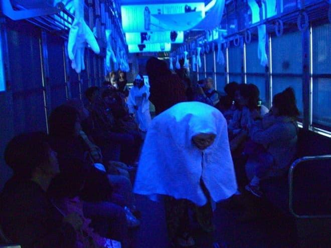 怖いぜ怖いぜ(写真提供:京福電気鉄道)