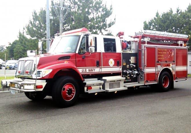 米海軍の消防車。エキゾチックな雰囲気