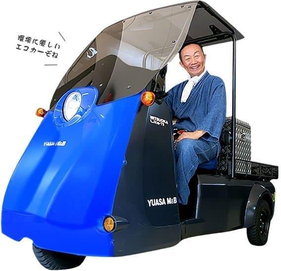 虎竹自動車のベースは光岡自動車の「Like-T3」