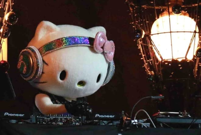 サンリオピューロランドのオールナイトハロウィンパーティ「PINK sensation 2015」