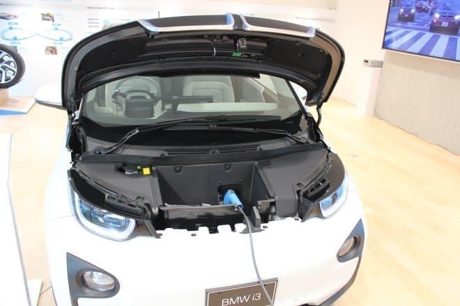 EV車は、一軒家ではガソリンスタンドに行かなくてよいというメリットが  でも、マンション住まいでは充電できないというデメリットがあります