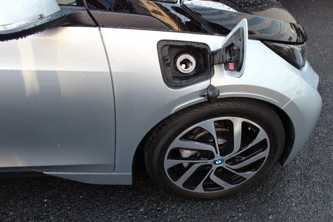BMW i3の給油口  実際には使わなくても、あると安心感があります