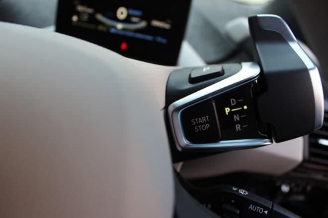 BMW i3のシフトレバー  …というか、スイッチですね