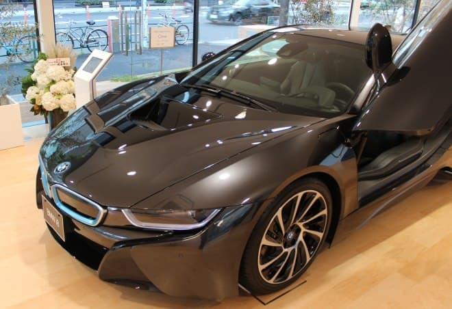 """高出力でありながら、低排気量・低燃費な""""エコカー""""「BMW i8」"""