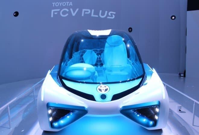 トヨタがトーキョーモーターショー2015で公開した次世代FCV「FCV Plus」