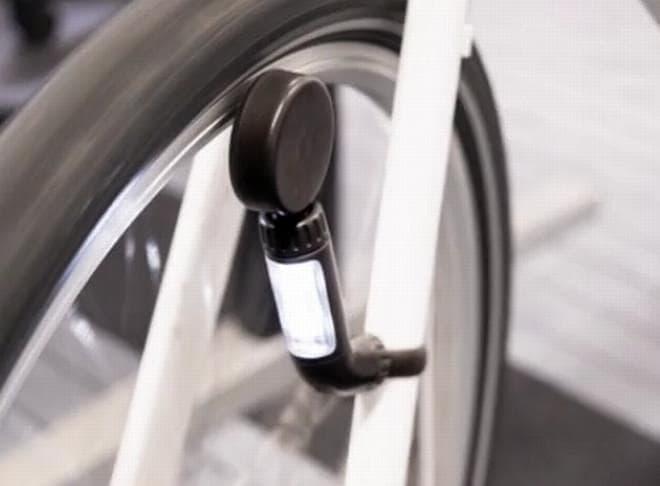 「NEO」は「渦電流」を活用して発電  LEDライトを点灯させます