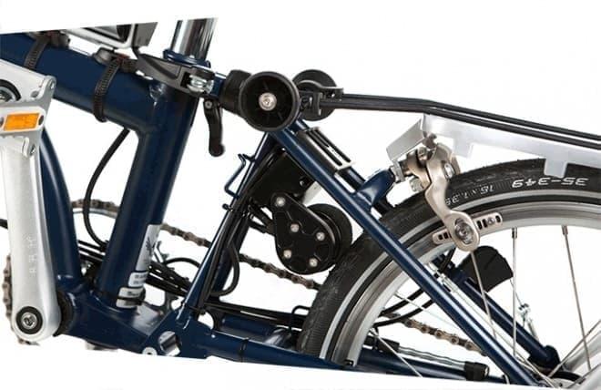 「BROMPTON SPECIAL EDITION」では、  ドライブモーターはシートステイに取り付けられる