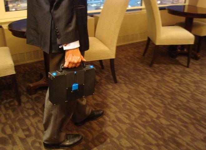スーツケースのように持ち歩けるのが特徴