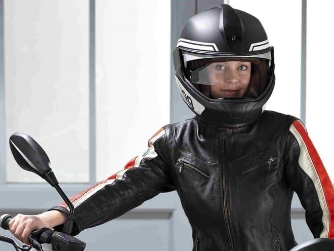 BMW Motorradが、HUD付きバイク用ヘルメットのプロトタイプを発表