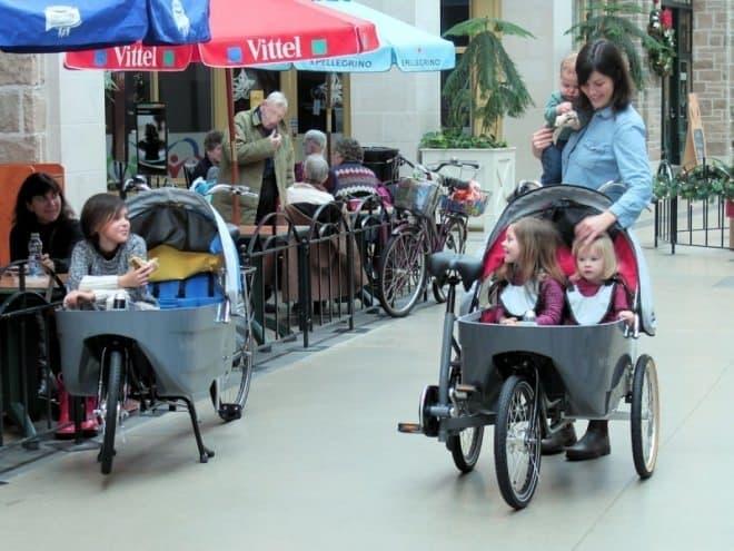 最大で2名、合計体重36キロまでの子どもを乗せて利用できます