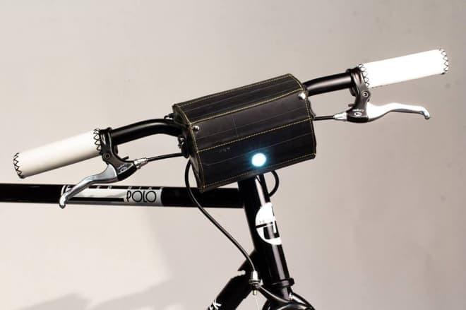 """""""サイクルバッグ""""として必須な機能の他、LEDライトや"""