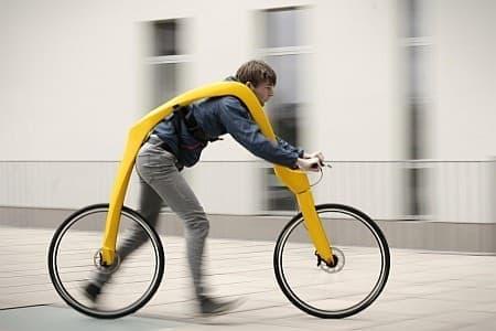 参考画像2:足蹴り自転車にインスパイヤされた自転車「FLIZ」  2012年のJames Dyson Award にエントリーされた作品