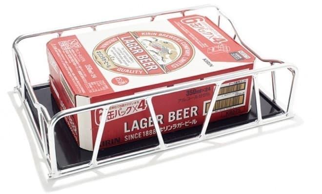 オプションで販売されるカゴには、ビールを箱ごと積める  (注:カゴのデザインは、変更になる可能性があります)