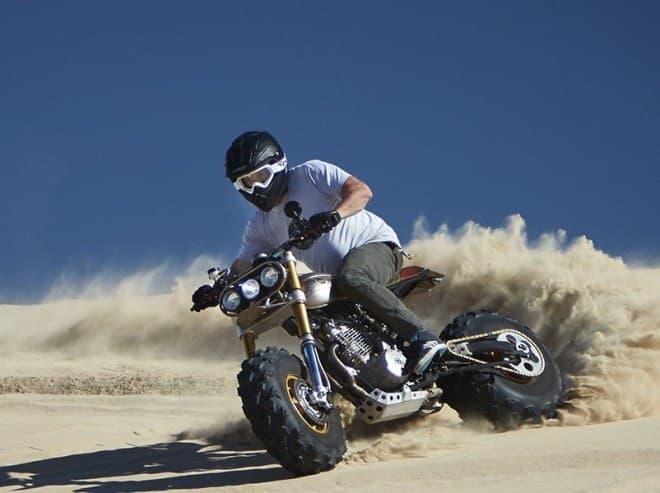 ピズモビーチの砂丘でテスト走行を実施