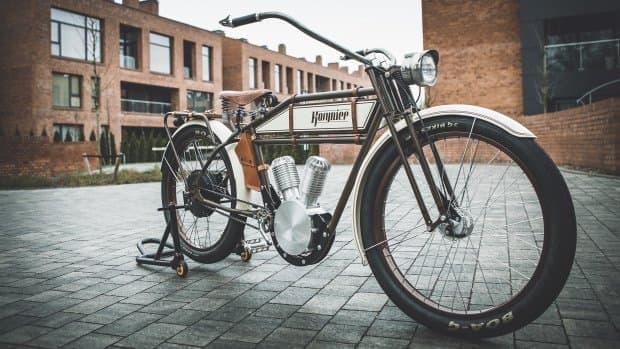 レトロデザインの電動アシスト自転車「Kosynier」シリーズ  (画像は「Kosynier deLux」)