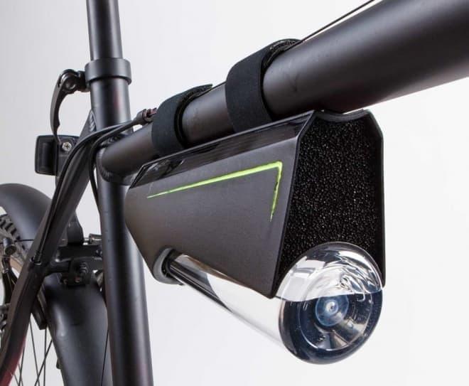 自転車に取り付けて使用する「Ryde」