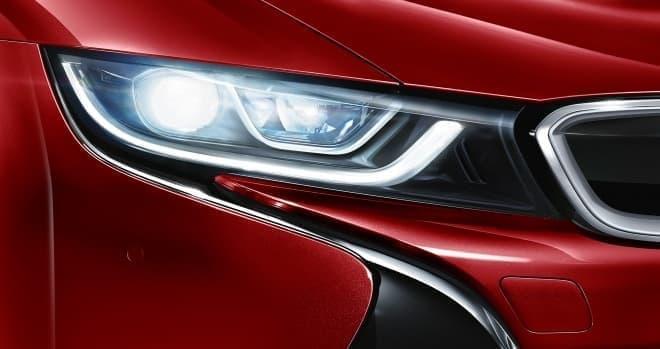 BMW i8 セレブレーション・エディション・プロトニック・レッド