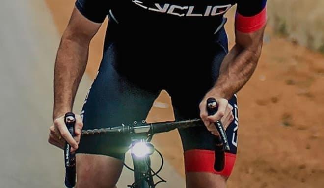 自転車用ライトの占めていたスペースを  ライト+ドラレコの「FLY12」で置き換え