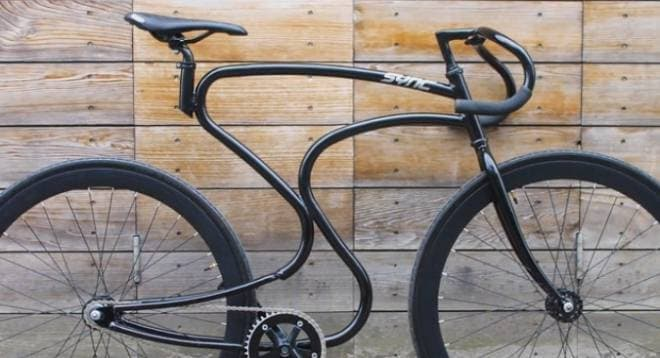 自転車選手の前傾姿勢をイメージした、「Sync Bicycles」のフレーム