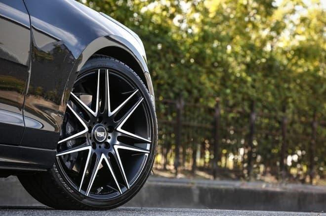 キャデラック ATS セダン Luxury Sport Edition 19インチV字スポークアルミホイール