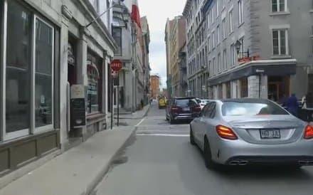 都市部交通の例:クルマによる渋滞
