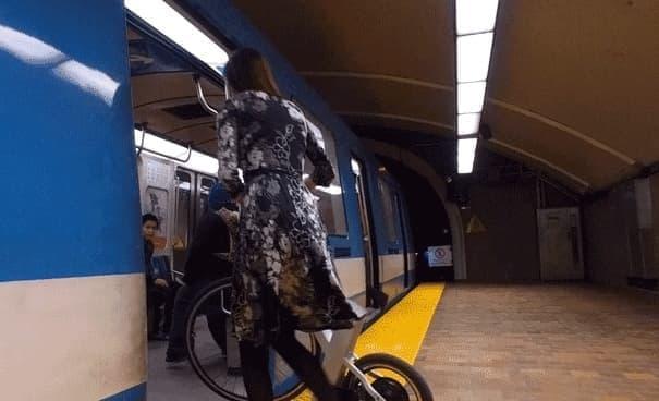 ショートホイールベースで電車持ち込みが楽な「SnikkyBike」