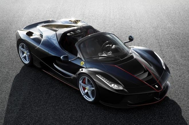 ラ フェラーリ オープントップモデル