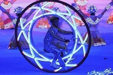 車輪の中に搭乗する自転車「Monowheel」